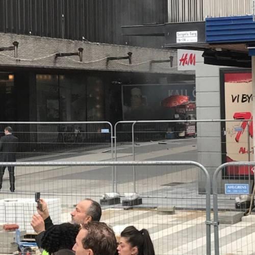 Camion contro la folla a Stoccolma 2