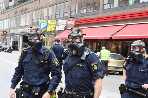Camion sulla folla in centro a Stoccolma 19