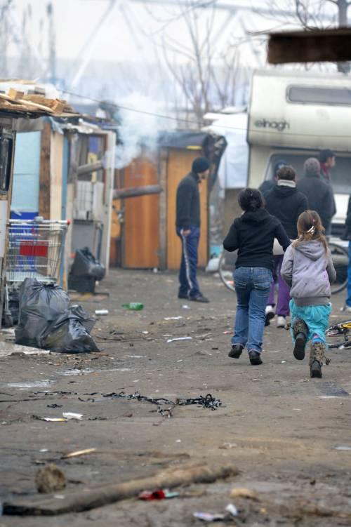 """La denuncia dello studente: """"La scuola mi fa fare stage al campo rom"""""""