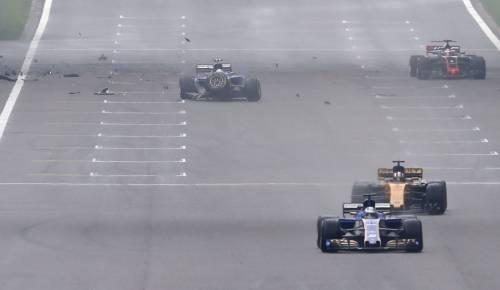 F1, l'incidente di Antonio Giovinazzi 6