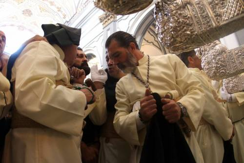 Antonio Banderas alla processione dopo l'infarto 5