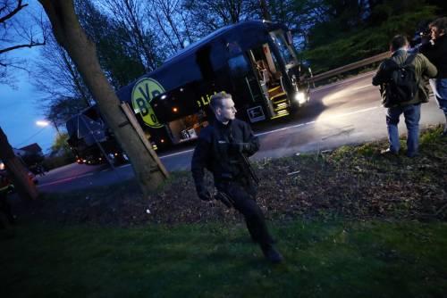 Bomba carta contro il bus del Borussia Dortmund 6