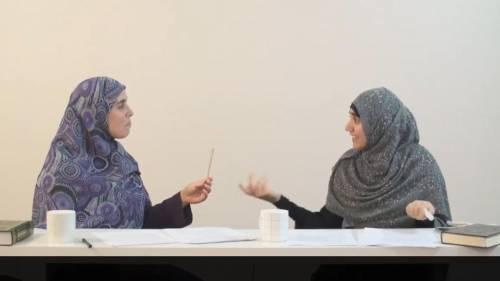 """""""Le botte? Una benedizione"""". Le islamiche spiegano come va pestata una moglie"""