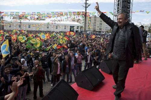 """L'Hdp filo-curdo in piazza per il """"no"""" a Batman 6"""