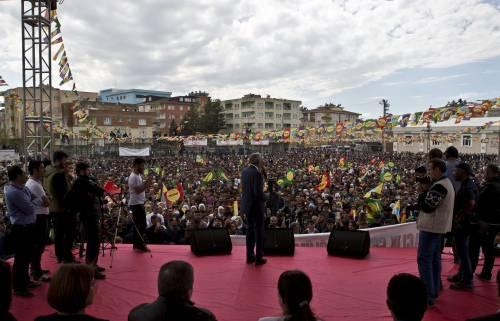 """L'Hdp filo-curdo in piazza per il """"no"""" a Batman 8"""
