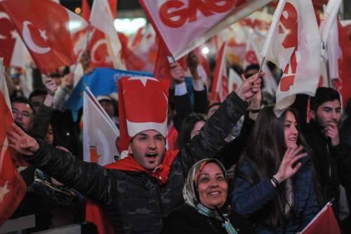 Ad Ankara la festa di chi sostiene Erdogan 3