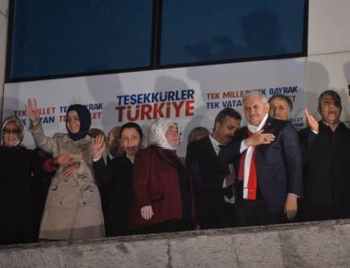 Ad Ankara la festa di chi sostiene Erdogan