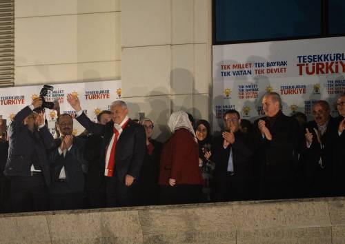 Ad Ankara la festa di chi sostiene Erdogan 5