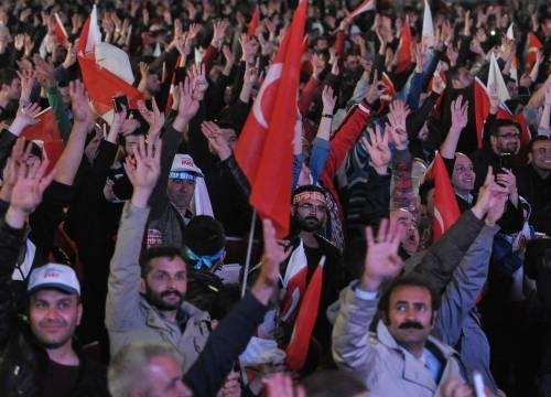 Ad Ankara la festa di chi sostiene Erdogan 2