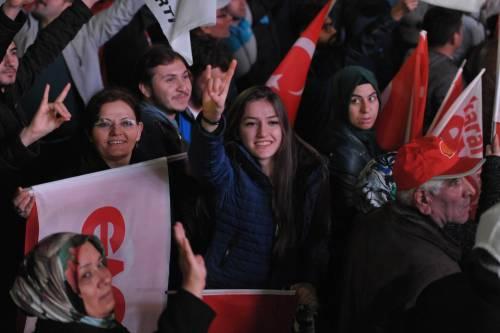Ad Ankara la festa di chi sostiene Erdogan 1