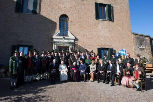 La festa dei 90 anni di Benedetto XVI 11