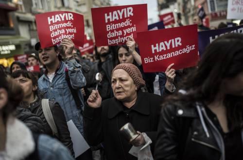 Le proteste nel bastione laico di Istanbul 2