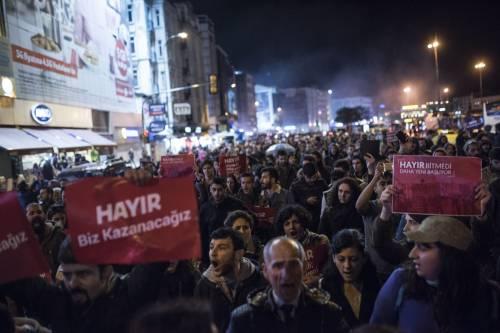 Le proteste nel bastione laico di Istanbul 5