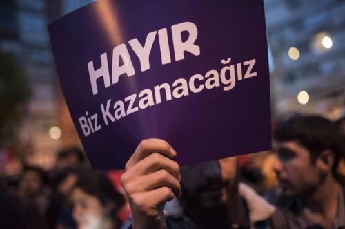 Le proteste nel bastione laico di Istanbul 6