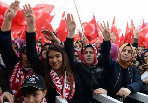 """Ankara festeggia il """"sì"""" al presidenzialismo 4"""