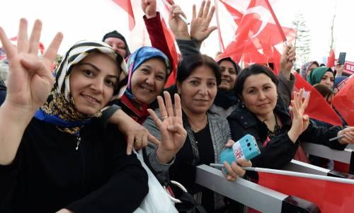 """Ankara festeggia il """"sì"""" al presidenzialismo 5"""