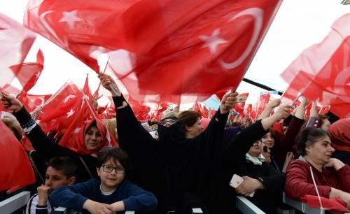 """Ankara festeggia il """"sì"""" al presidenzialismo 7"""