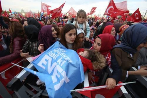 """Ankara festeggia il """"sì"""" al presidenzialismo 2"""