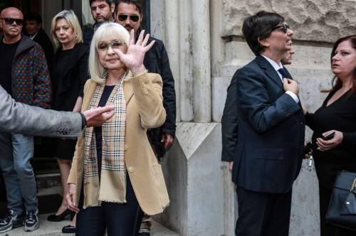 L'ultimo saluto a Gianni Boncompagni: la camera ardente è aperta al pubblico 4