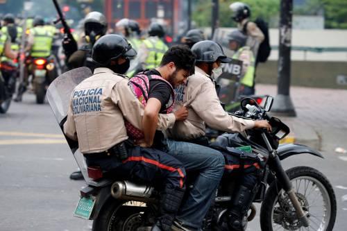 Duri scontri in Venezuela 4