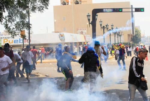 Duri scontri in Venezuela 1