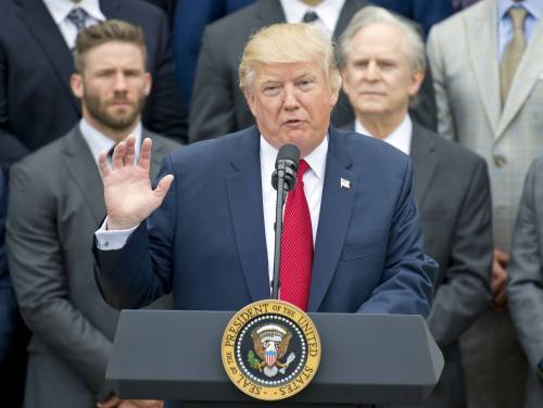 Trump rottama il Dodd-Frank Act, la legge di Obama che regolava la finanza dopo la crisi del 2008