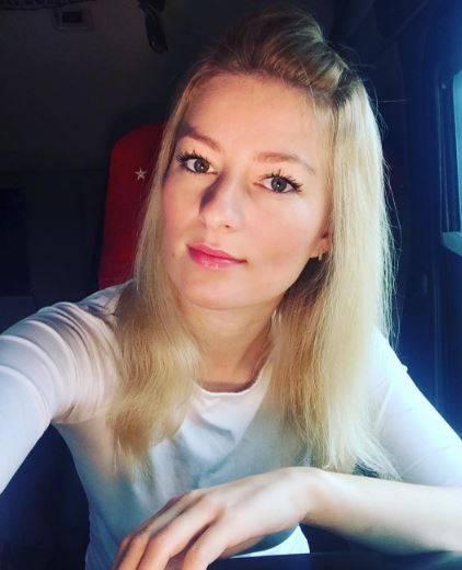 Da miss a camionista: è la sexy Iwona Blecharczyk 4