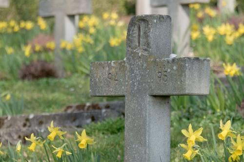 Mola di Bari, mancano i loculi al cimitero