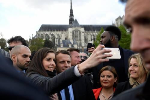 Macron contestato dagli operai Whirlpool 7