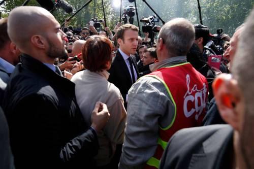 Risultati immagini per Macron operai