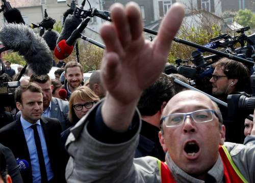 Macron contestato dagli operai Whirlpool 2