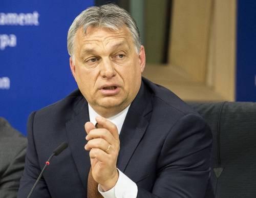 """Orban al Consiglio europeo: """"Fermare invasione per restaurare democrazia"""""""