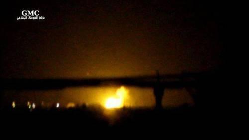 """Raid di Israele in Siria: """"Colpito sito di armi chimiche"""""""