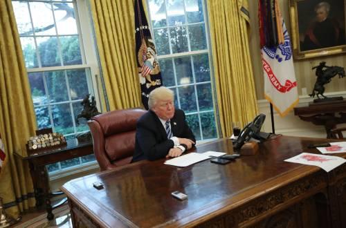 Cosa ha fatto (e non ha fatto) Trump nei primi cento giorni alla Casa Bianca