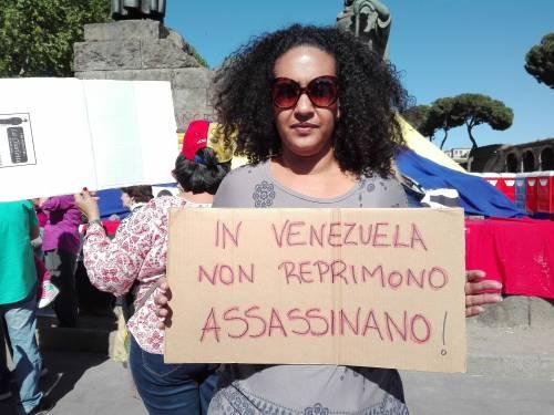Venezuelani in piazza a Roma 4