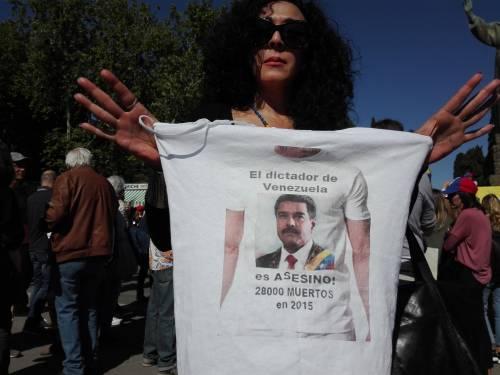 Venezuelani in piazza a Roma 9