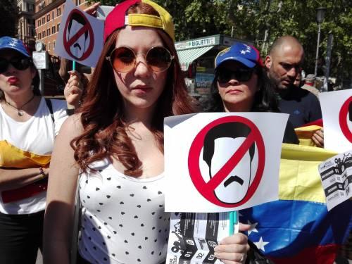 Venezuelani in piazza a Roma 2