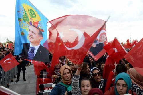 Siria, Erdogan: nuova offensiva. Ed è blackout per l'opposizione