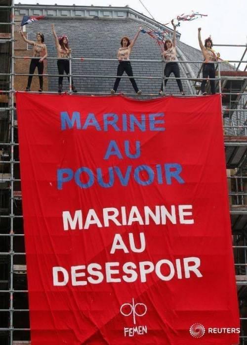 Protesta a seno nudo contro la Le Pen