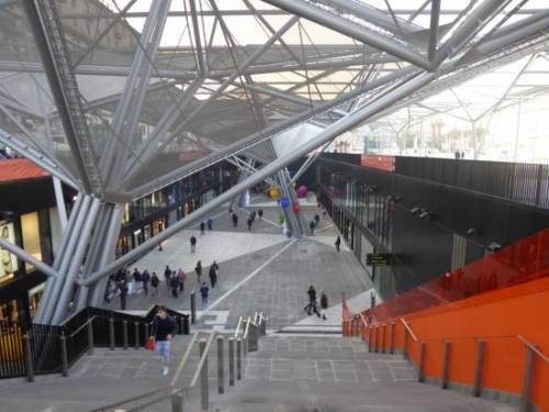 """Napoli, i """"bagni dell'eroina"""" alla stazione centrale 5"""
