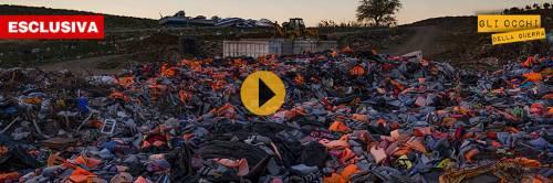 """Grecia, l'accusa dei volontari: """"Le Ong sfruttano i migranti"""""""