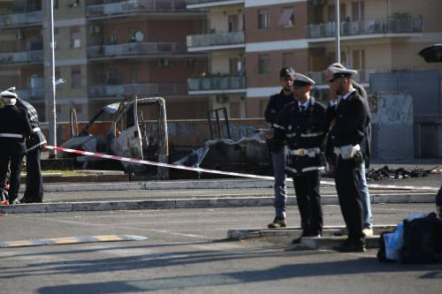 Roma, fiamme in camper di rom: morte tre sorelle 7