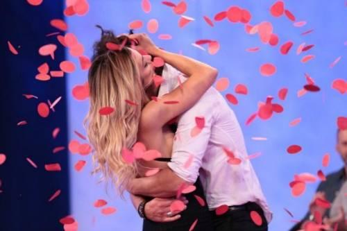 """Uomini e Donne, Roberta commenta la scelta di Luca Onestini: """"Giulia, non hai perso niente"""""""
