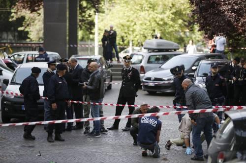 Roma, esplosione in strada: ordigno rudimentale nel parcheggio delle Poste 11