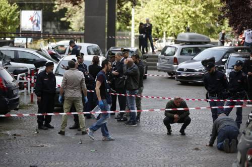 Roma, esplosione in strada: ordigno rudimentale nel parcheggio delle Poste 2
