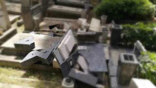 Roma, tombe distrutte al Verano: denunciati ragazzini di 13 e 14 anni