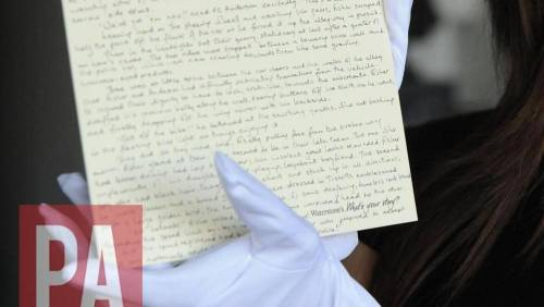 Rubato il racconto sul papà di Harry Potter scritto su un foglio da J.K. Rowling