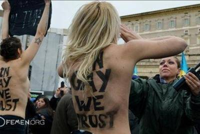 Oltraggio in Vaticano: Femen tutte assolte