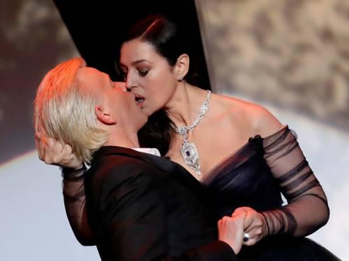Monica Bellucci sexy al Festival di Cannes 2