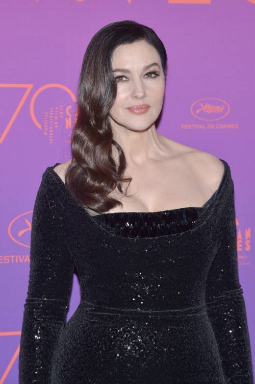 Monica Bellucci sexy al Festival di Cannes 32